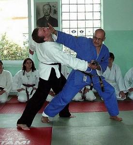 Sepp Haas zeigt eine Ju-Jutsu Kombination