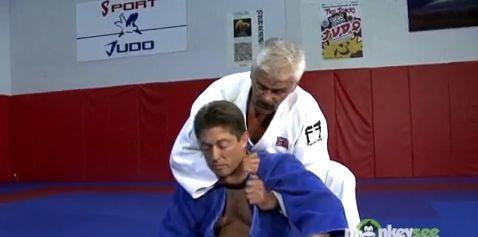 Grundlegende Würgegriffe aus dem Judo